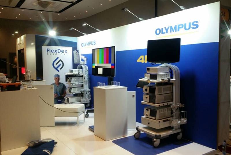 Olympus illuminated fabric frame for trade show