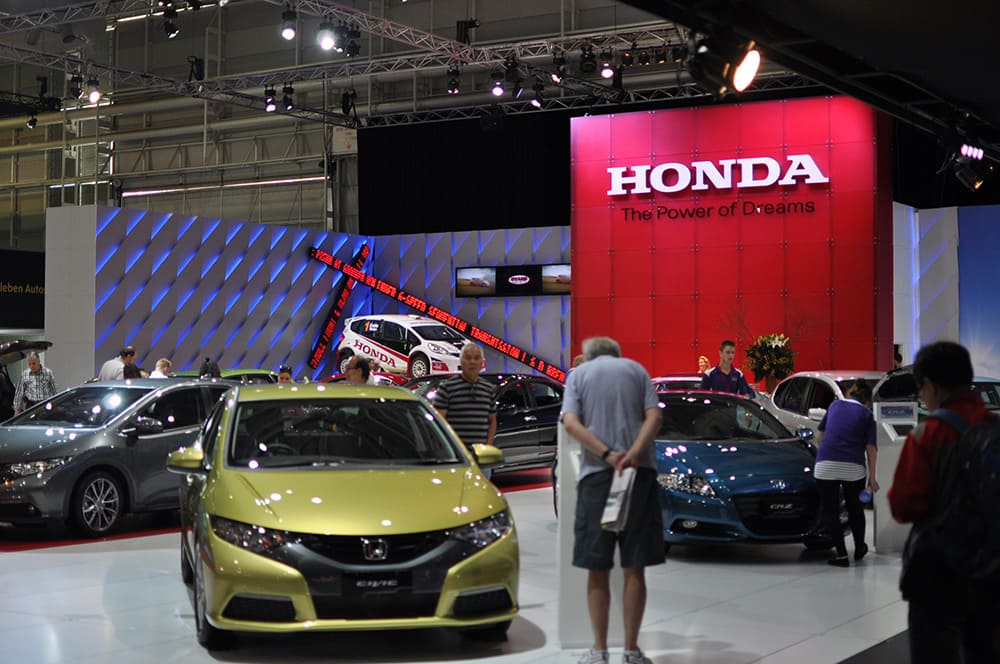 3D lettering used on the Honda logo at the Melbourne car show